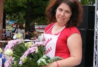 Венета Цочева: Цветята се подаряват от обич…